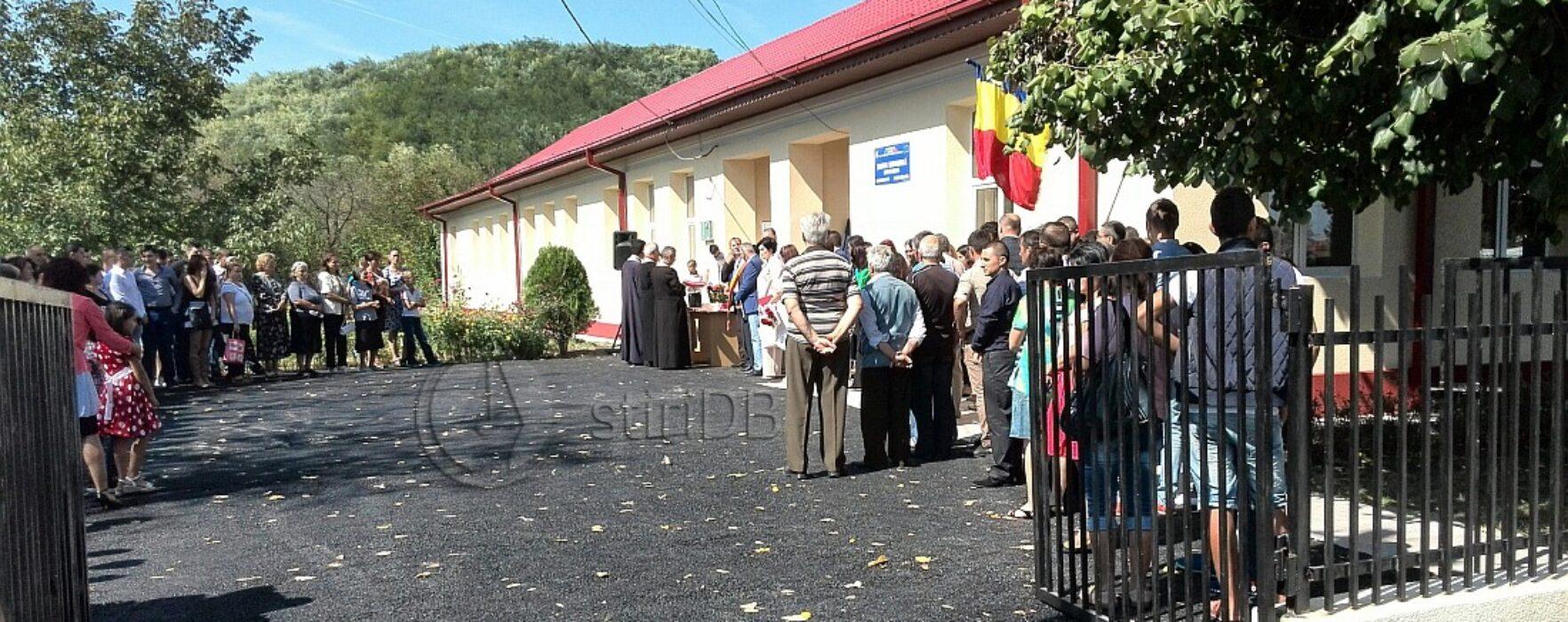Şcoala generală din Valea Mare, inaugurată de ministrul Educaţiei, Remus Pricopie