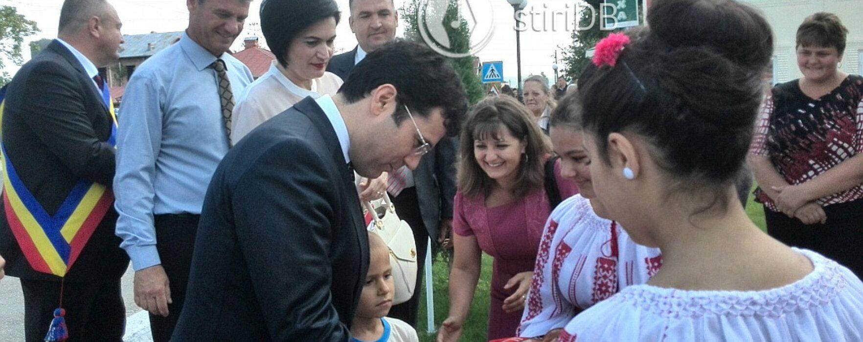 Campusul preuniversitar de la Voineşti, inaugurat de ministrul Educaţiei, Remus Pricopie
