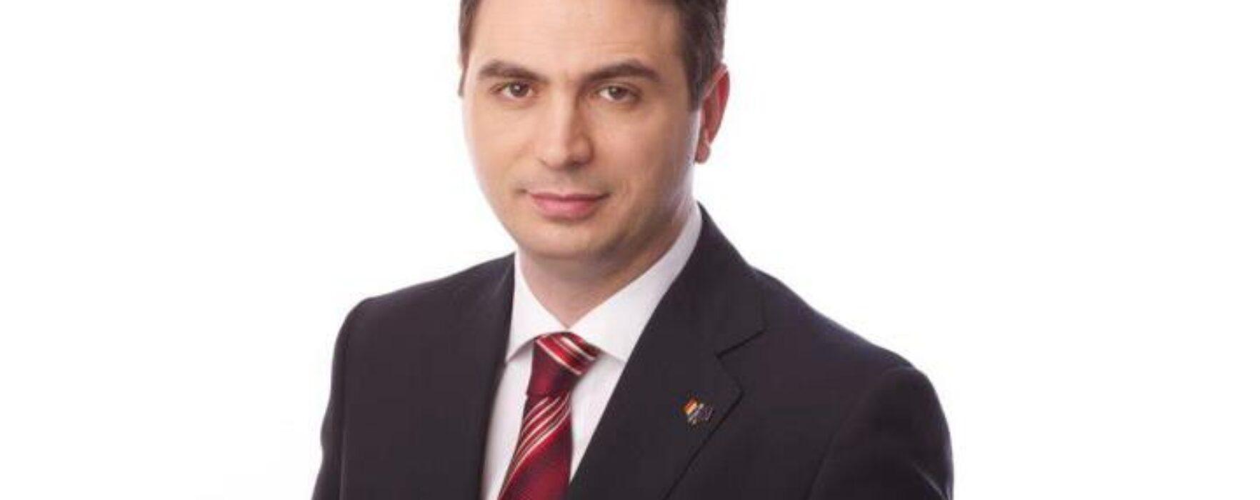 Deputatul de Târgovişte Radu Ropa s-a înscris în PSD şi va fi consilier pe probleme de politică al lui Victor Ponta