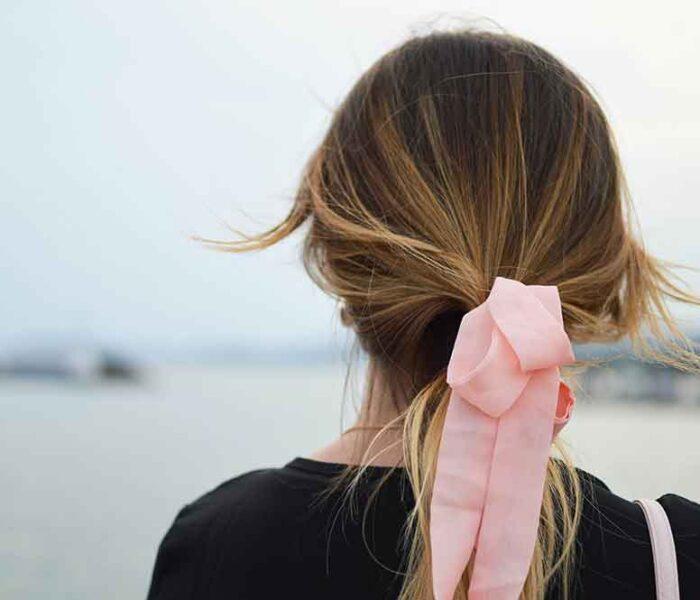 3 avantaje uimitoare pe care șampoanele și balsamurile naturale le au asupra părului tău