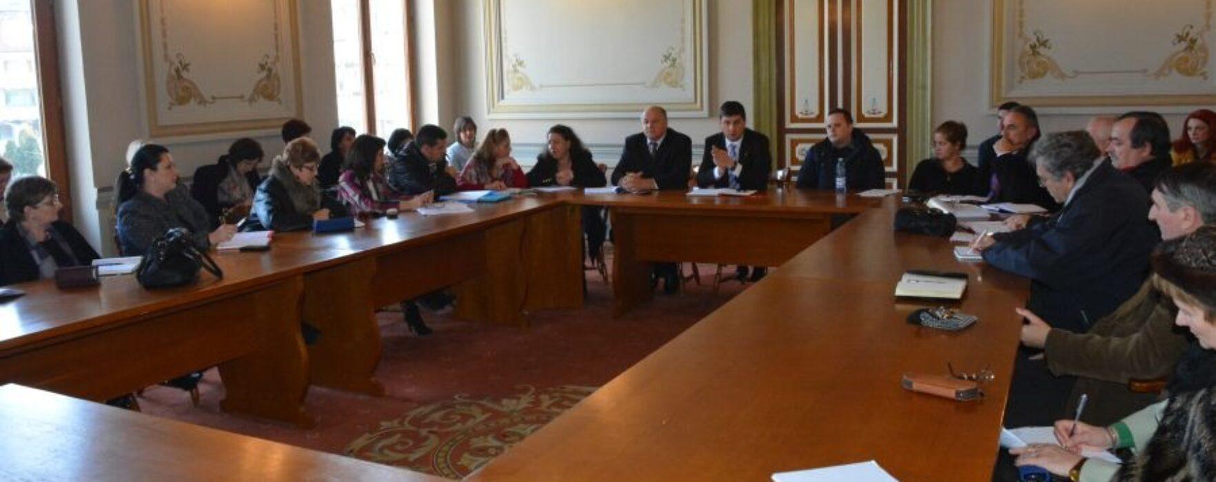 Primarul Gabriel Boriga s-a întâlnit cu directorii de şcoli din Târgovişte