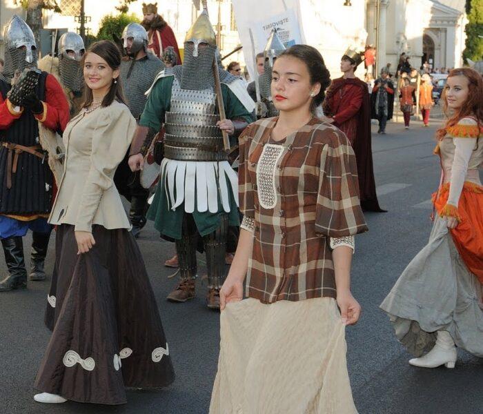 Paradă medievală, de Zilele Târgoviştei
