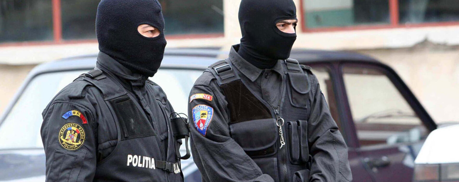 Percheziţii în Târgovişte la persoane bănuite de comiterea infracţiunilor de lipsire de libertate, şantaj şi cămătărie
