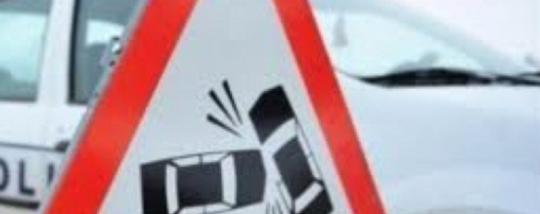 Şotânga: A derapat şi s-a răsturnat cu maşina în afara părţii carosabile