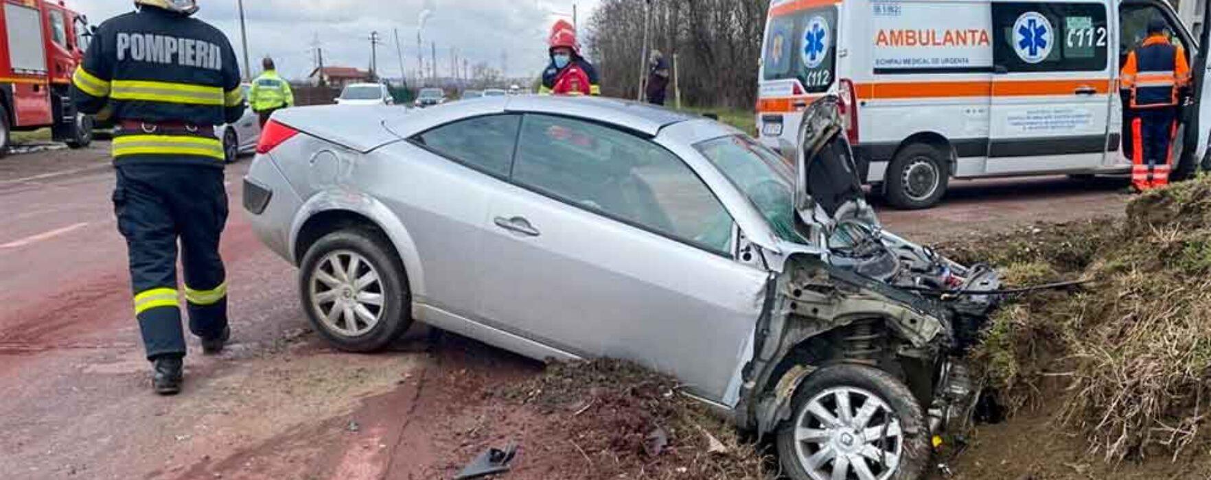 Dâmboviţa: Trei persoane rănite într-un accident pe DN 71, la Aninoasa