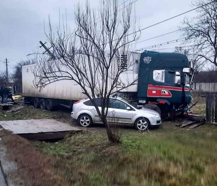 Dâmboviţa: Un autocamion şi trei autoturisme implicate într-un accident la Crângaşi, o persoană a murit