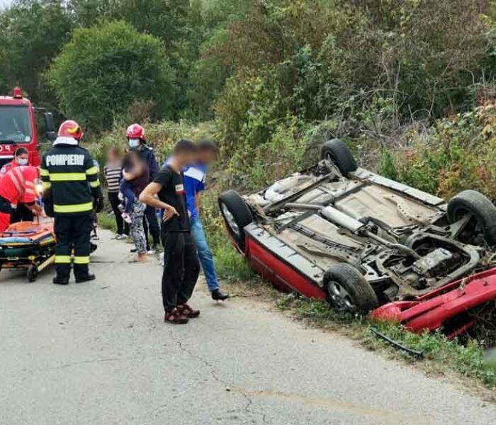 Dâmboviţa: Accident la Gura Foii, o maşină răsturnată
