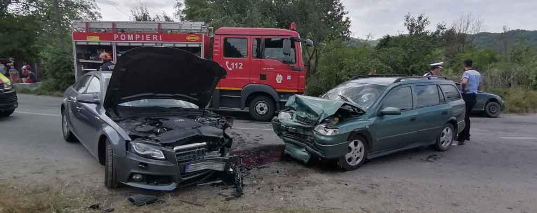 Dâmboviţa: Trei persoane rănite într-un accident la Iedera