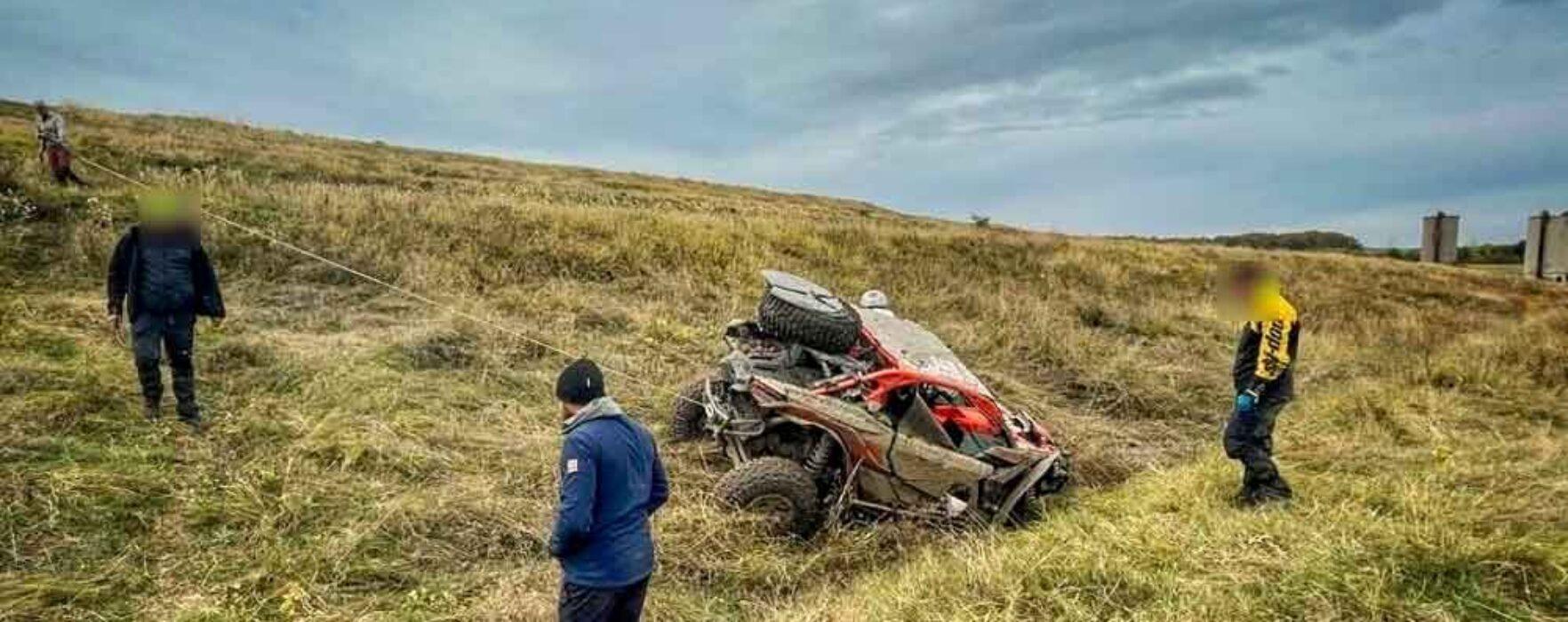Dâmboviţa: Accident la un concurs de off-road, un pilot s-a răsturnat cu maşina