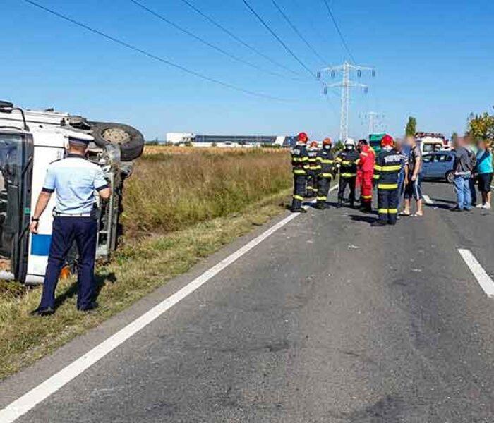 Dâmboviţa: Accident pe DN 71 Târgovişte-Bucureşti, în zona Ulmi; o maşină răsturnată