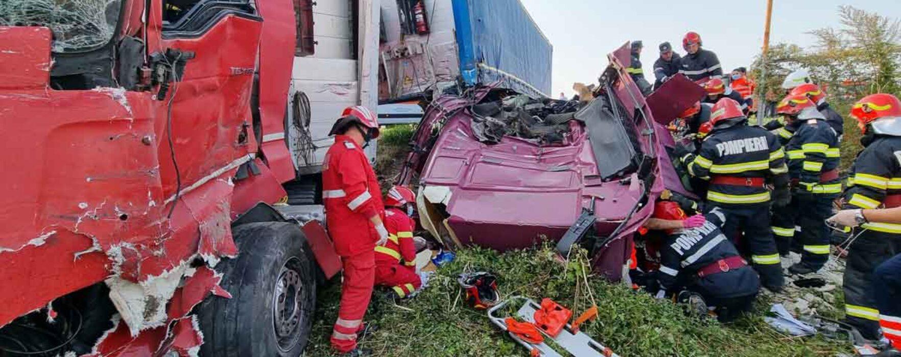 Dâmboviţa: Accident pe DN72 în care sunt implicate două TIR-uri şi un autoturism
