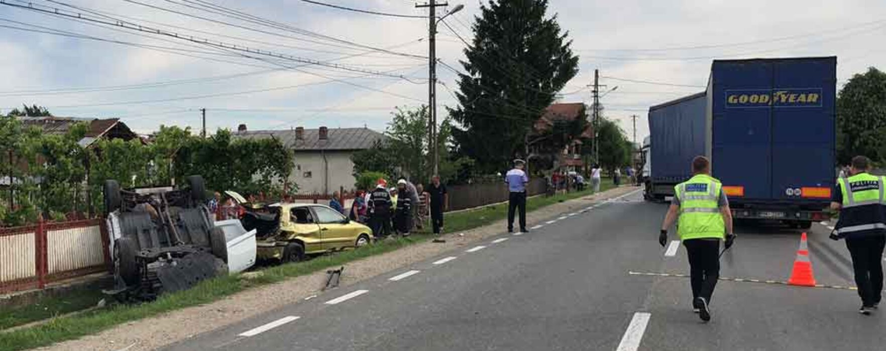 Traficul blocat pe DN 72 Găeşti-Târgovişte din cauza unui accident în care sunt implicate patru autovehicule