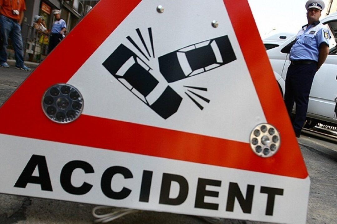 Dâmboviţa: Accident în care au fost implicate cinci maşini, pe DN 72A, în zona Priseaca