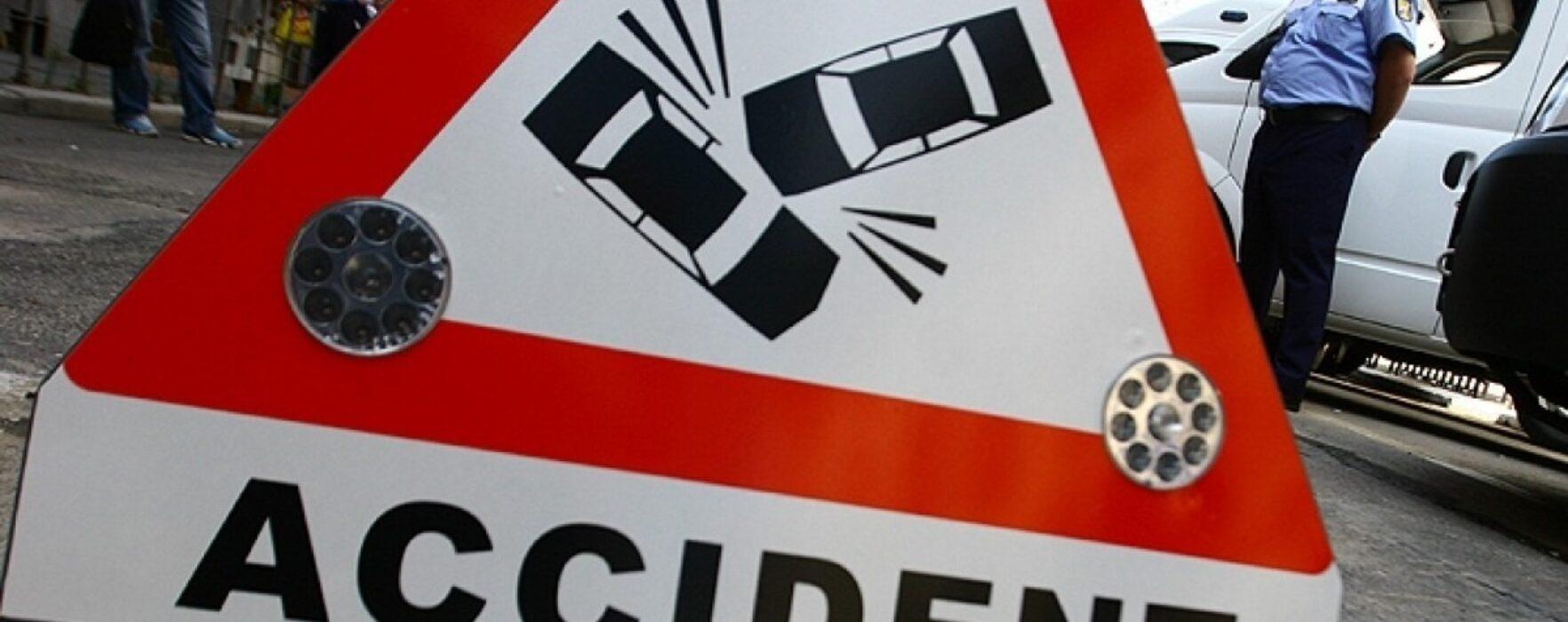 Accident cu trei maşini pe DN7 la Slobozia Moară, un sens de mers blocat