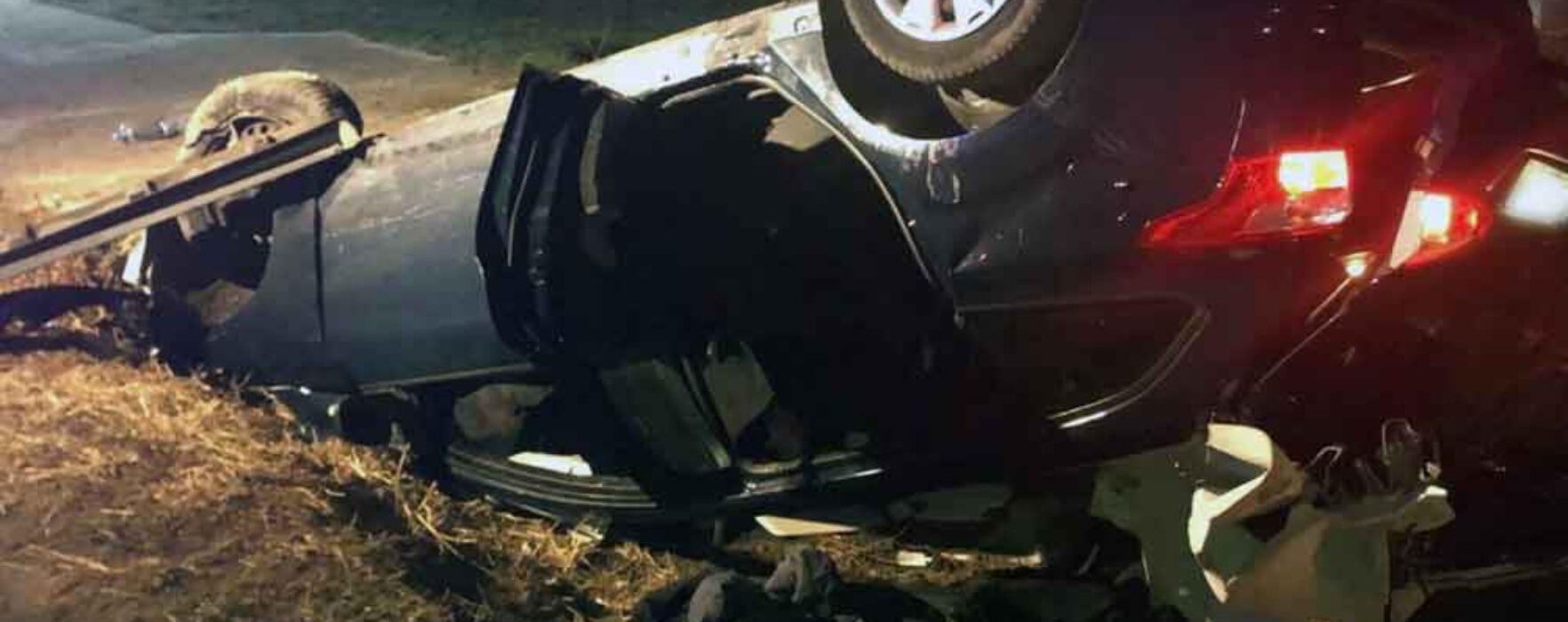 Dâmboviţa: O maşină a lovit un cal aflat pe DN 72A, un tânăr a murit în accident