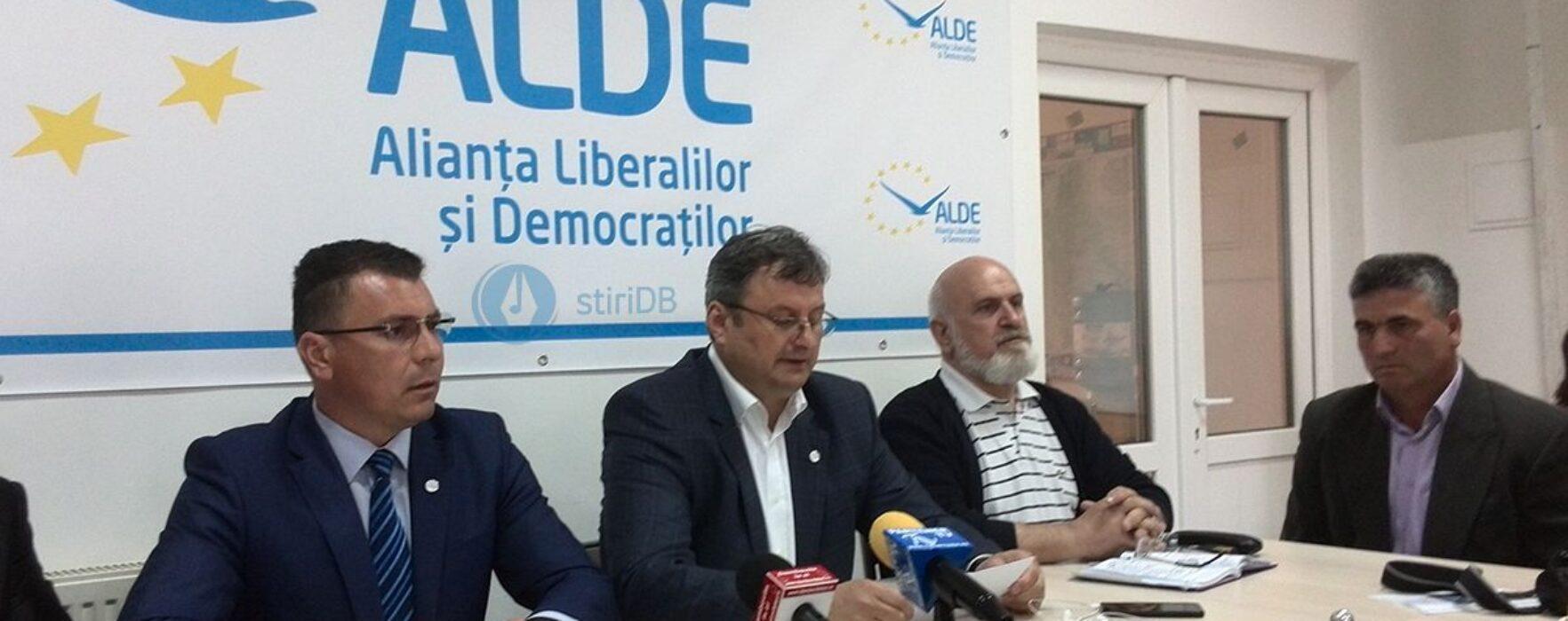 ALDE Dâmboviţa: Pentru eficientizarea administraţiei publice şi atragerea de fonduri ar trebui dezvoltate parteneriate de tip public-privat