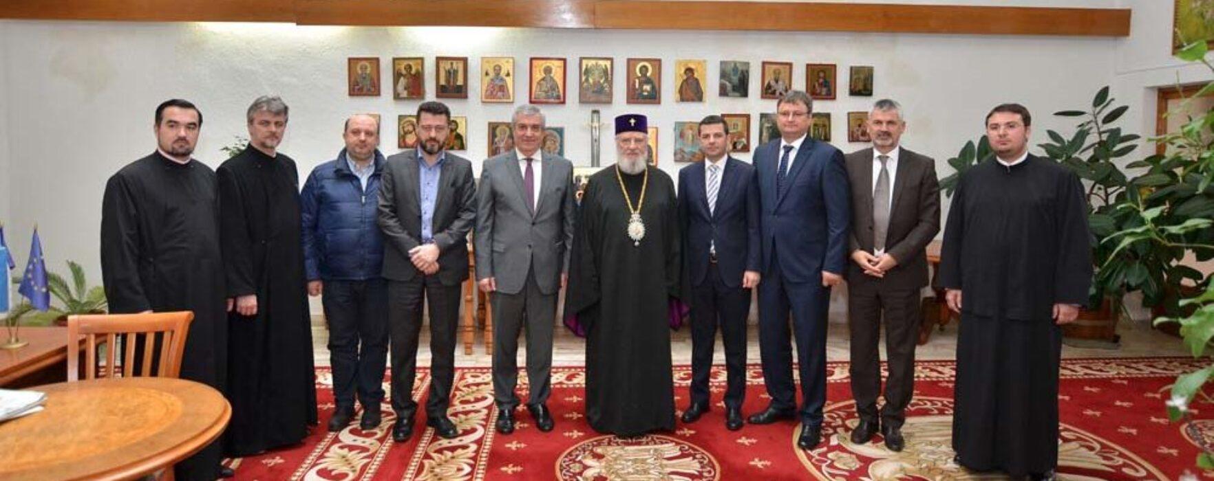 Preşedintele Senatului, Călin Popescu Tăriceanu, s-a întâlnit cu arhiepiscopul Nifon, la Târgovişte