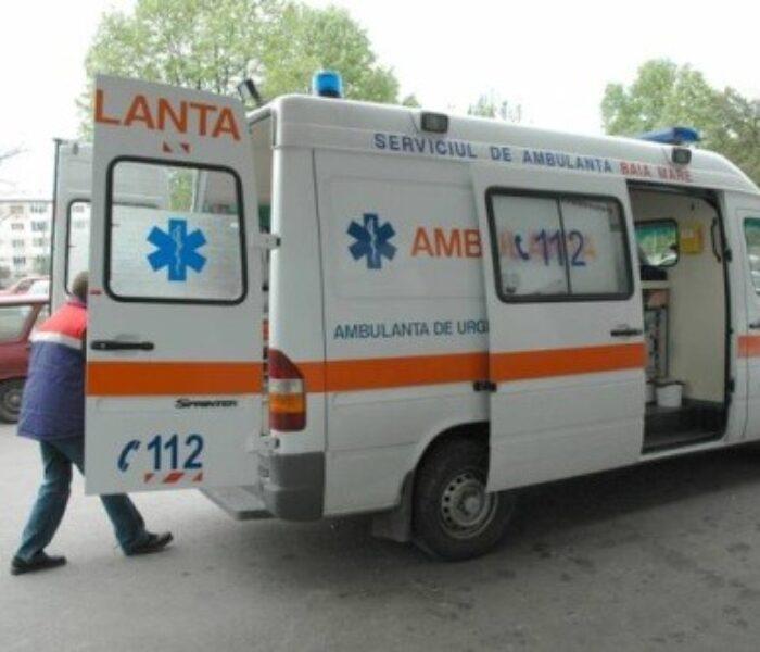 Dâmboviţa: Copil de 9 ani, rănit de o placă desprinsă dintr-un acoperiş