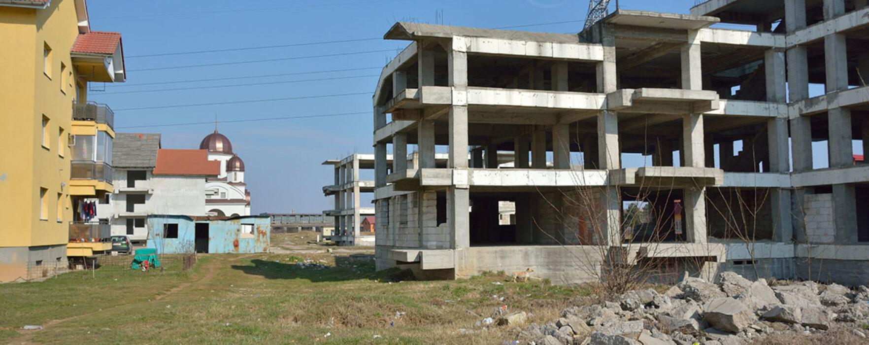 Dâmboviţa: Se vor relua lucrările la mai multe blocuri ANL din judeţ