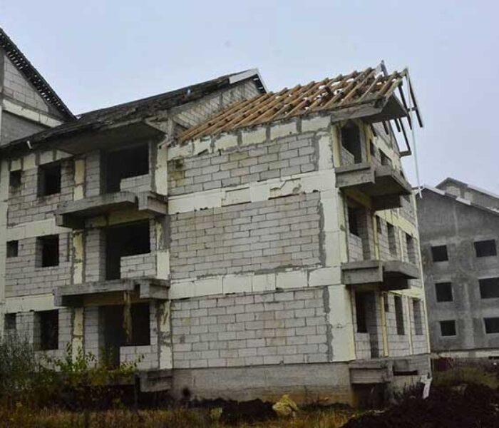 Târgovişte: S-au reluat lucrările la blocurile ANL a căror construcţie a început acum 10 ani