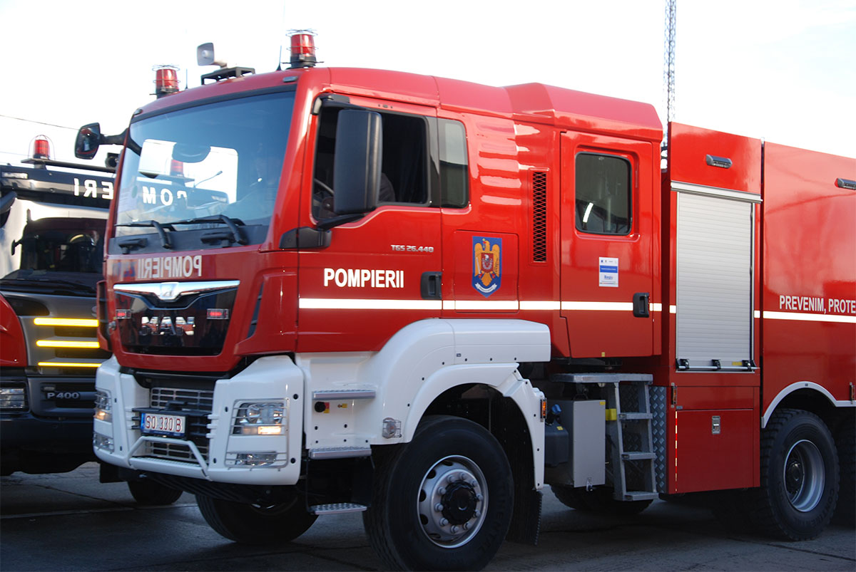 autospeciala-pompieri-1