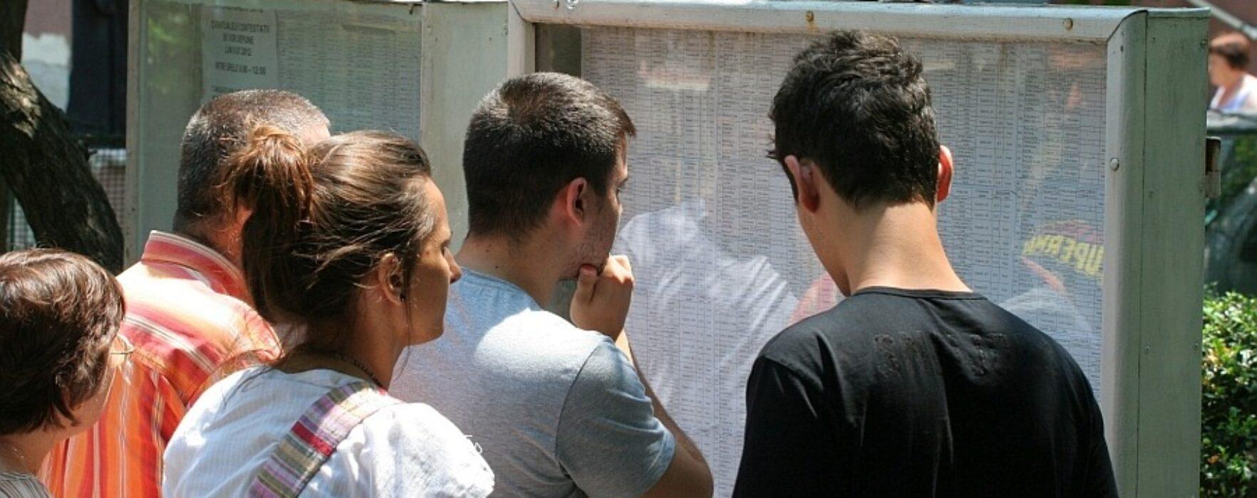 Dâmboviţa: Doi elevi au obţinut 10 la bacalaureat; rata promovabilităţii 61,2%