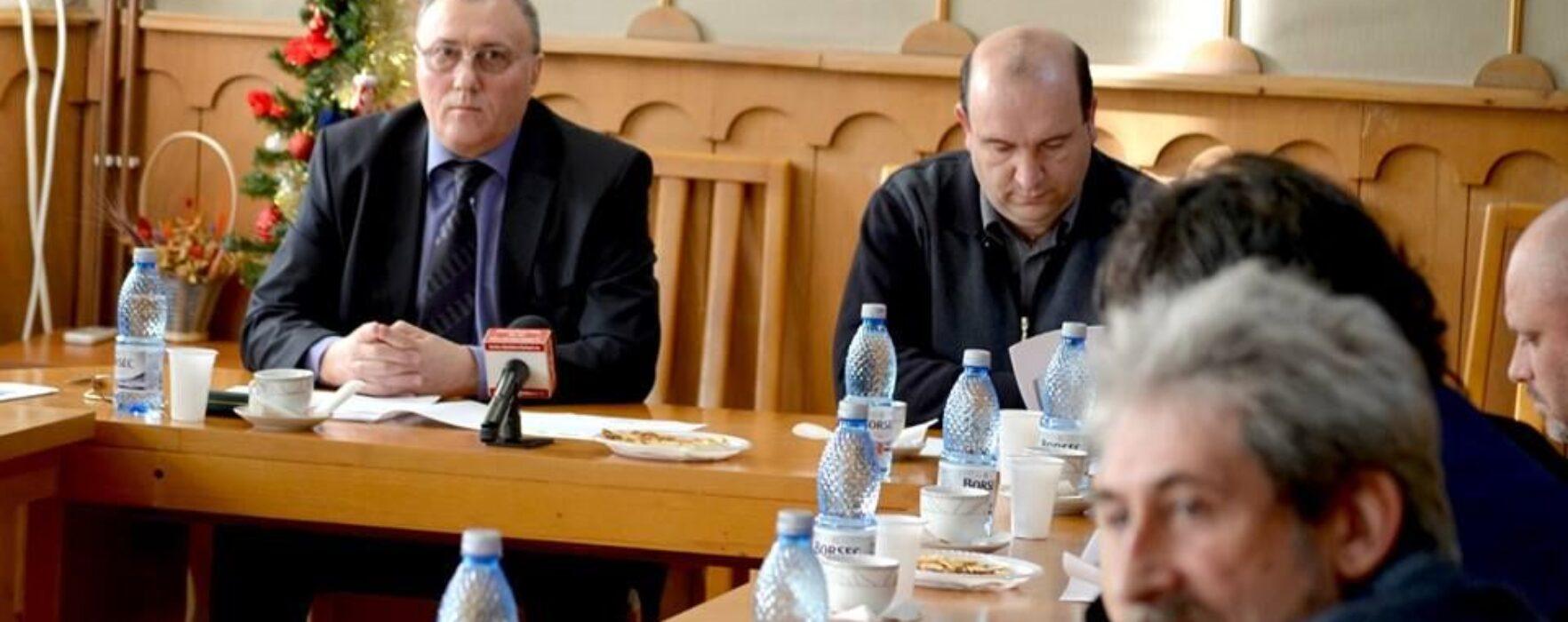 Pucioasa: Conferinţă de încheiere a proiectului european de modernizare a Şcolii nr 1