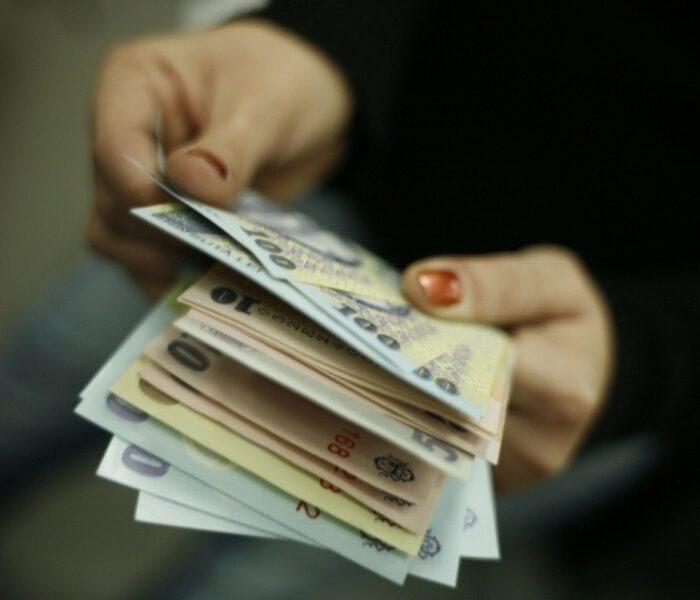 Dâmboviţa: Salariu mediu net în judeţ este de 1.749 lei