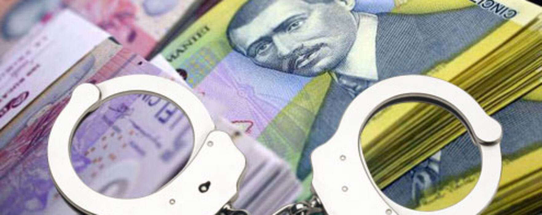 Dâmboviţa: Înşelaţi de un agent de credite care a luat bani în numele lor
