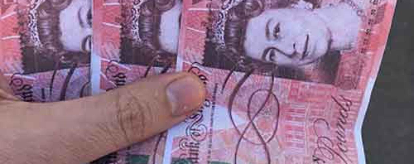 Dâmboviţa: Reţinut de Poliţie, după ce a oferit bani falşi unor femei pentru a întreţine relaţii sexuale