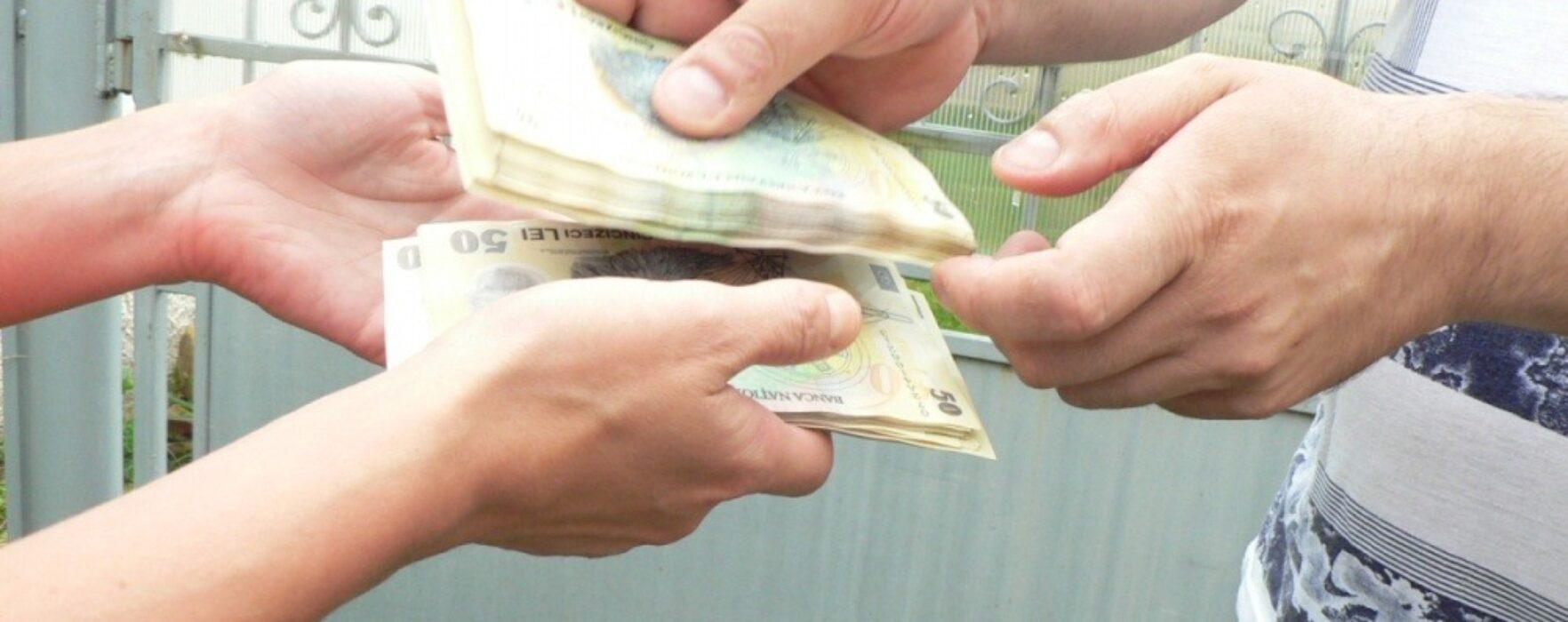 Bătrână din Târgovişte înşelată prin metoda accidentul; a pierdut 5.000 de euro şi bijuterii