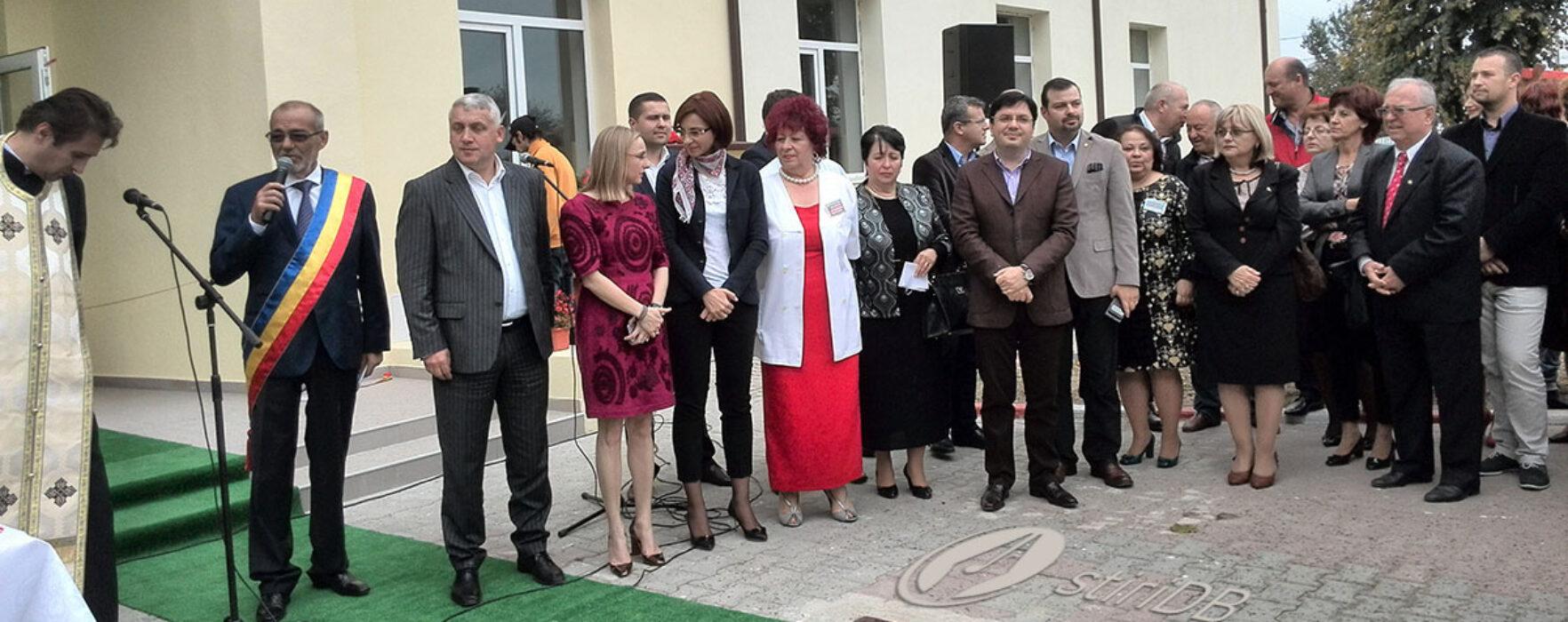 Clădirea ambulatoriului Spitalului Găeşti, inaugurată de ministrul Sănătăţii, Nicolae Bănicioiu