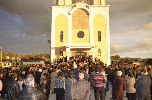 biserica-moreni-01