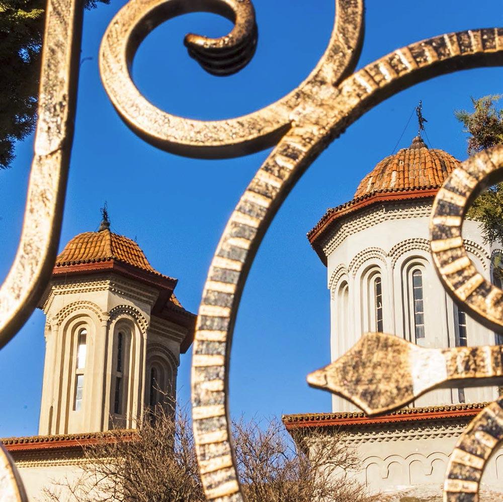 biserica-targului-detaliu