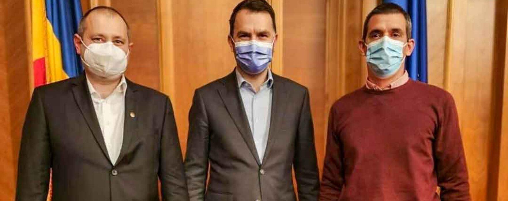 Tot ce au reuşit parlamentarii USR de Dâmboviţa la întâlnirea cu ministrul USR al Transporturilor: o poză pe facebook; DN71 nu se face
