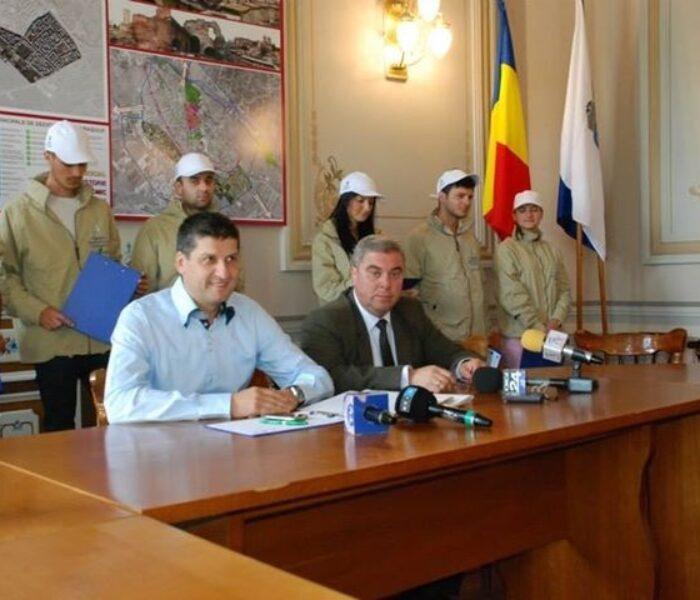 Primăria Târgovişte va consulta locuitorii oraşului cu privire la problema maidanezilor
