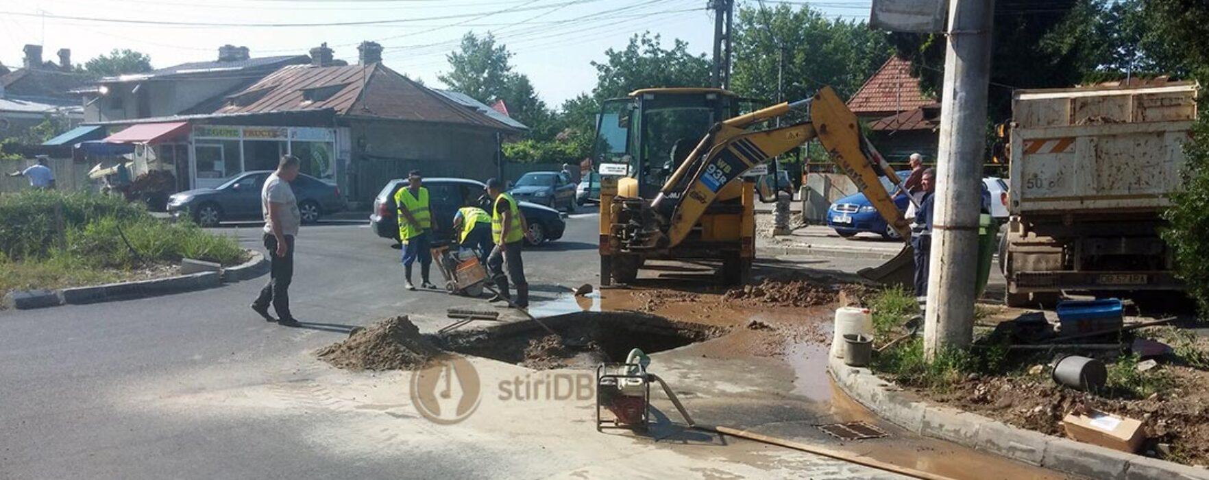 Târgovişte: Bulevardul IC Brătianu, recent asfaltat, spart din cauza unei avarii la reţeaua de apă