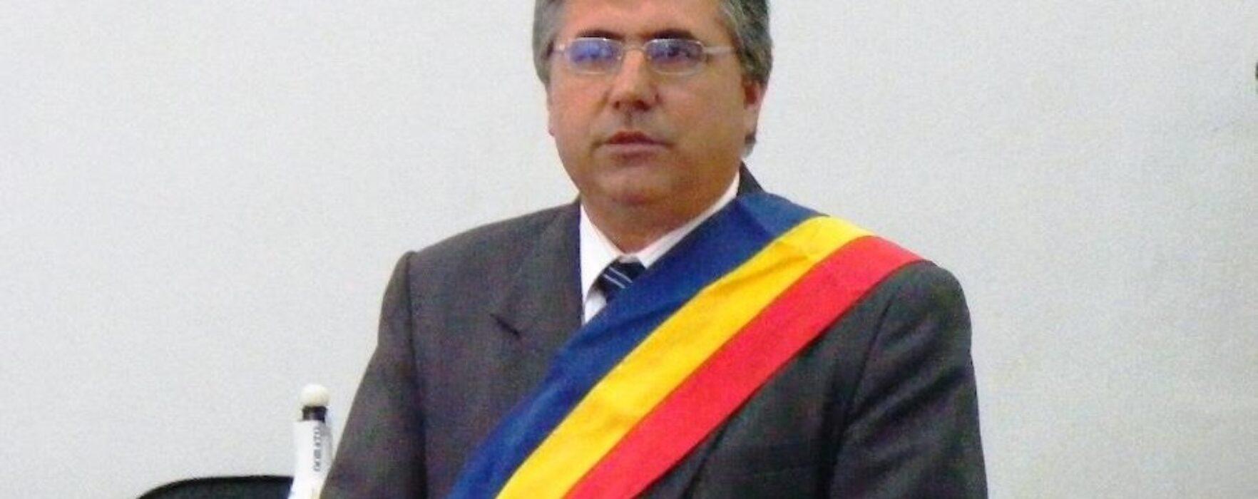 Adriean Budoiu (primar Fieni): Suntem într-o situaţie disperată cu patronii escroci