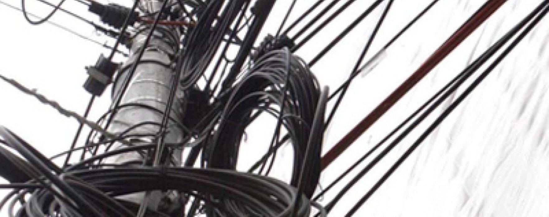 Primăria Târgovişte, precizări privind înlăturarea reţelelor de telecomunicații amplasate fără drept