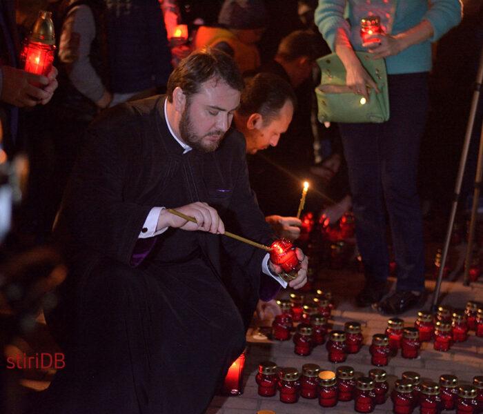 2018 de lumânări aprinse, în Joia Mare, pe Calea Luminii, la Târgovişte
