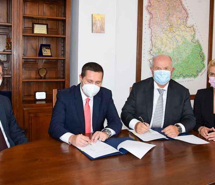 CJ Dâmboviţa: Protocol semnat cu Camera de Comerţ pentru elaborarea de strategii de dezvoltare