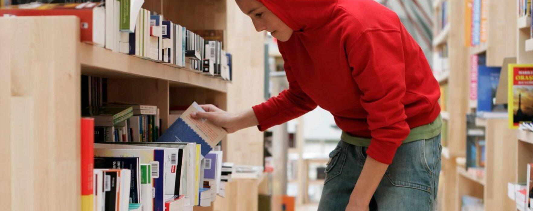 Cele mai furate cărţi din librării în 2014