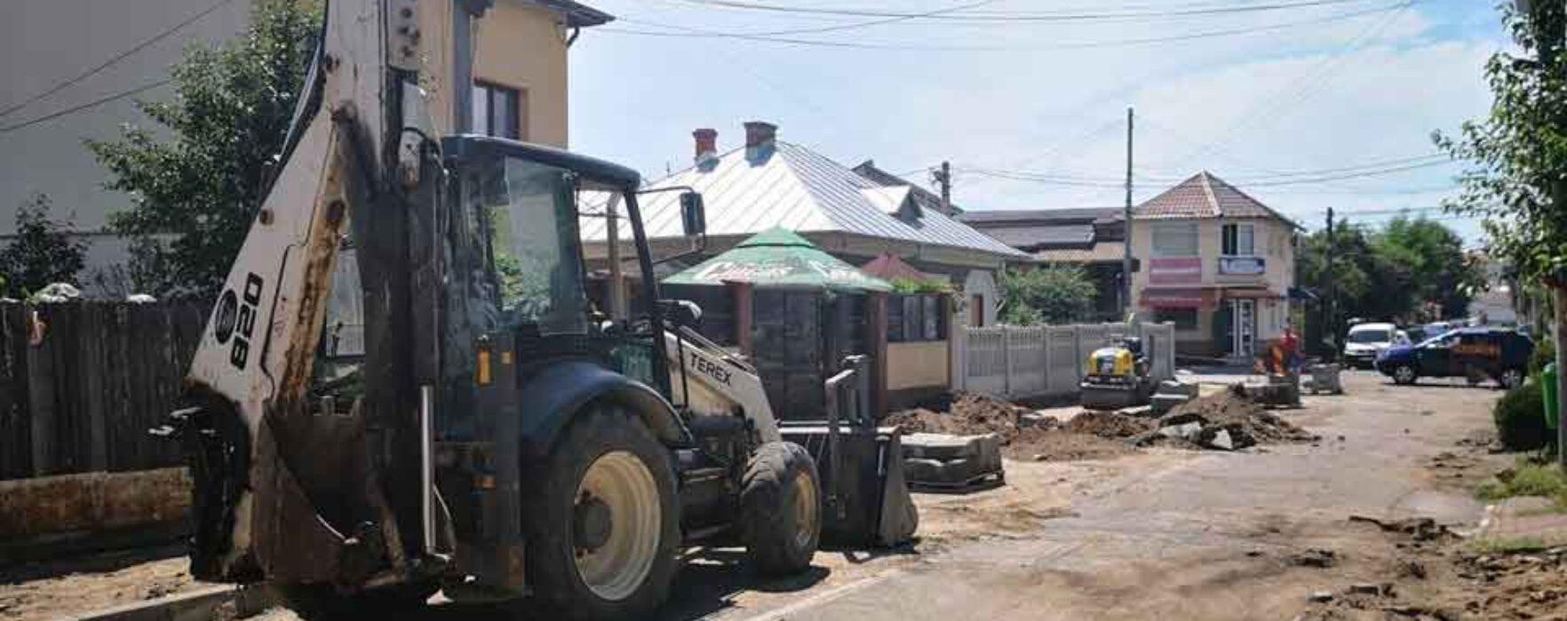 Târgovişte: Restricţii de circulaţie pe Strada Cetăţii, se fac lucrări de asfaltare