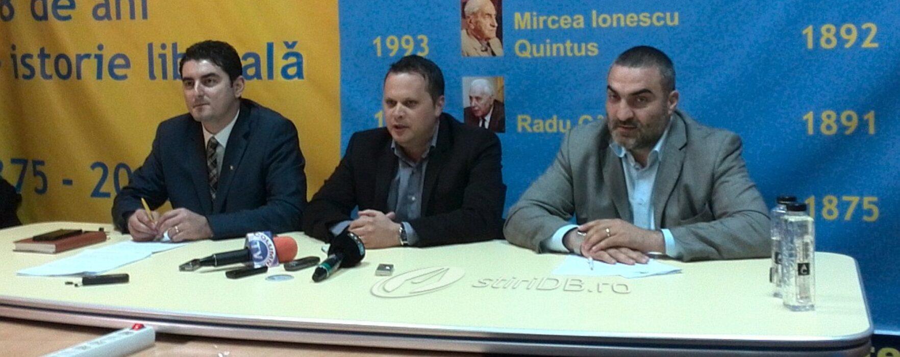 PNL Dâmboviţa: Vom depune plângere penală primarilor care nu se supun deciziei BEC de a înlătura afişele USL