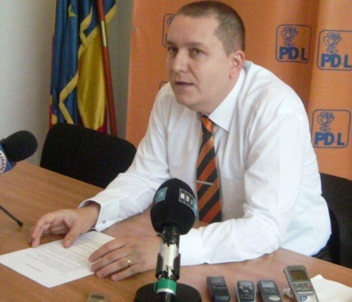 PDL Dâmboviţa îşi va înfiinţa un departament de comunicare