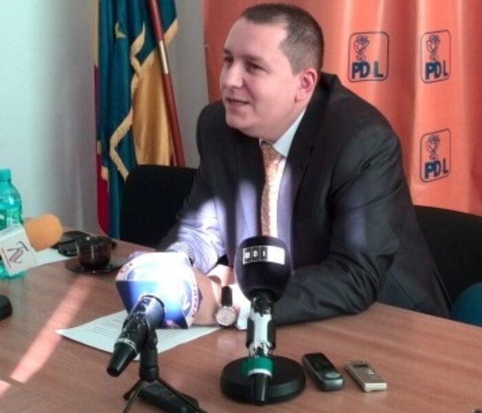 Consilieri locali şi unul judeţean, propuşi pentru excludere din PDL