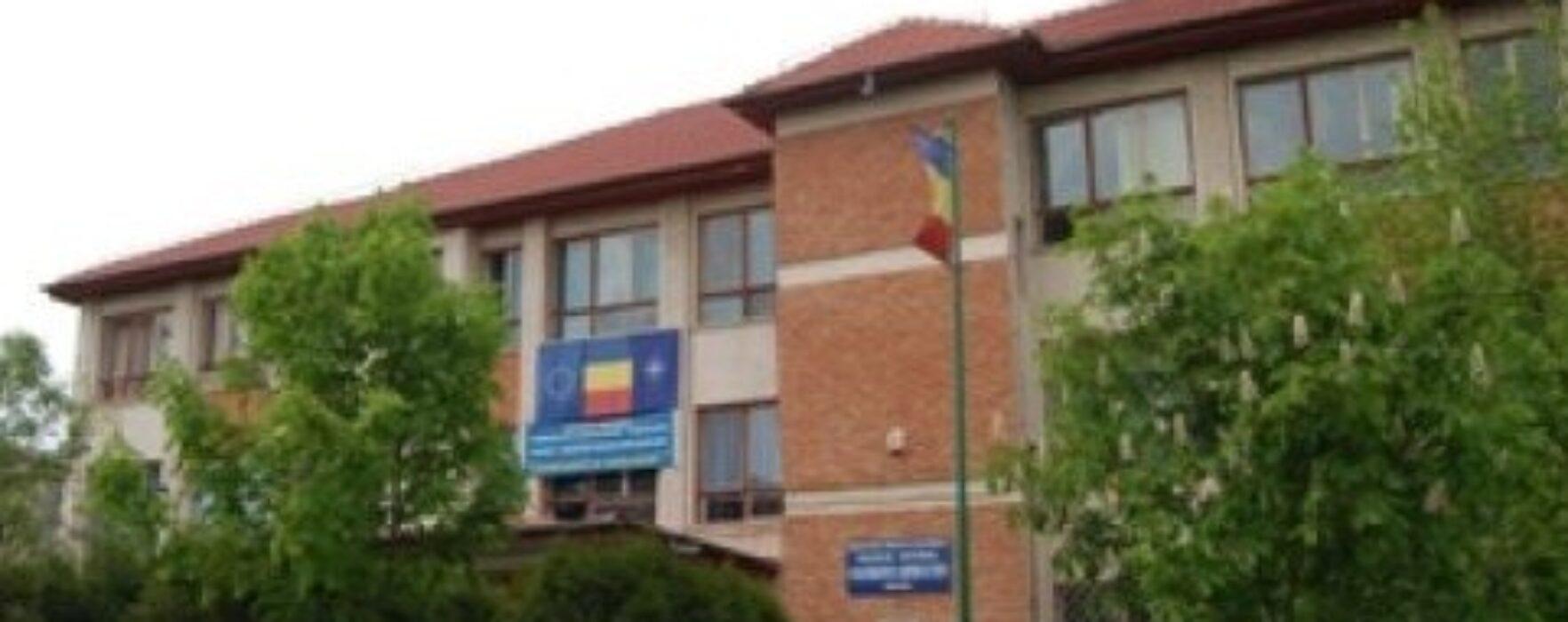 Cluburi de teatru şi dezbatere, la Colegiul Naţional Constantin Cantacuzino din Târgovişte