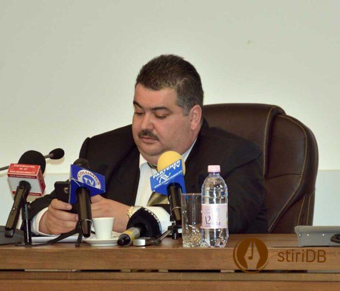 Prefectura Dâmboviţa anunţă încetarea mandatului de consilier judeţean al lui Daniel Comănescu