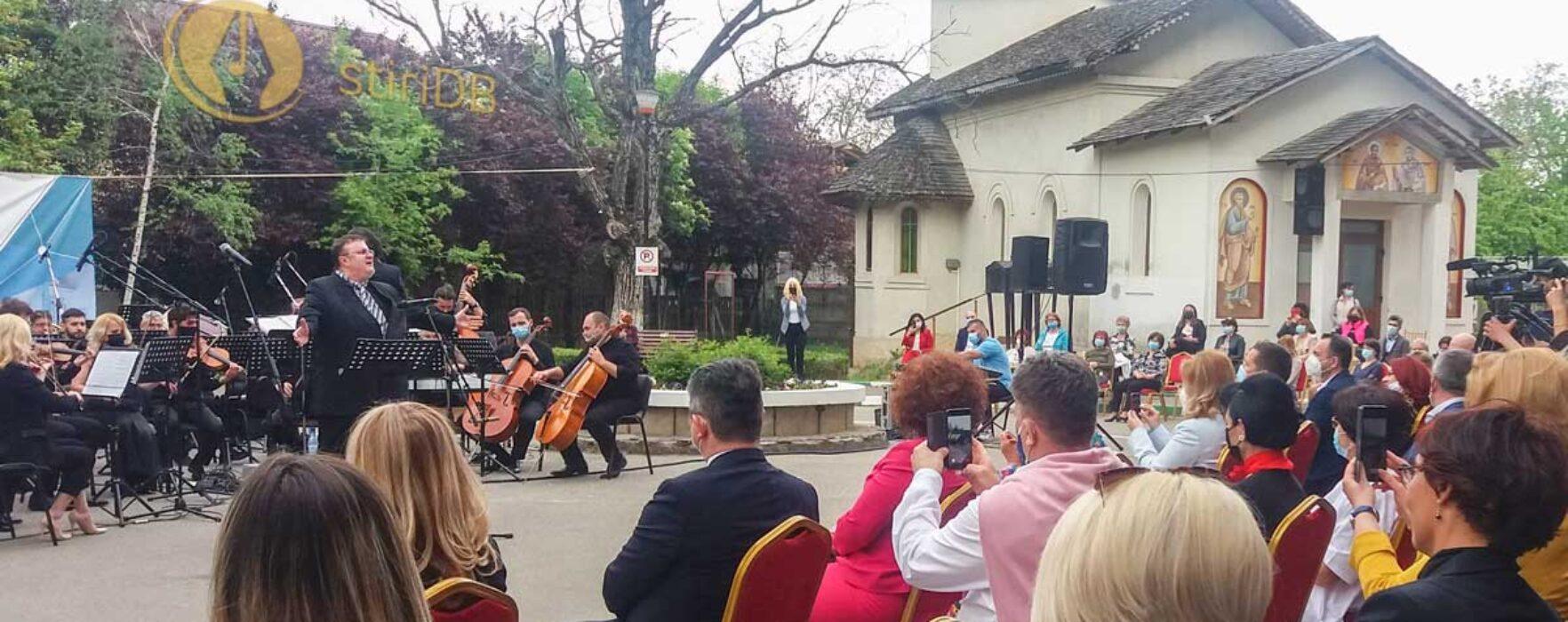 Dâmboviţa: Concert de muzică clasică în curtea Spitalului Judeţean Târgovişte, dedicat medicilor