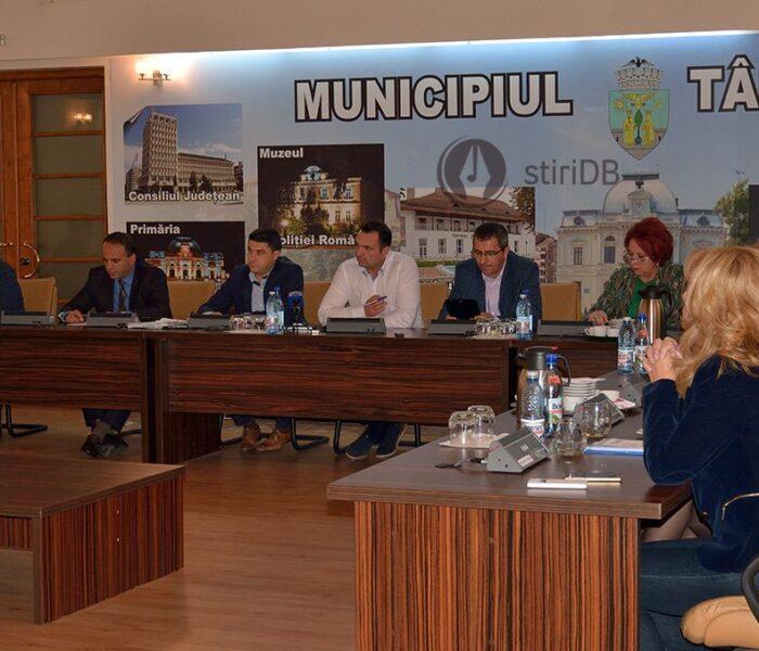 Primăria Târgovişte îşi propune să colaboreze cu Universitatea Valahia pe proiecte de energie durabilă